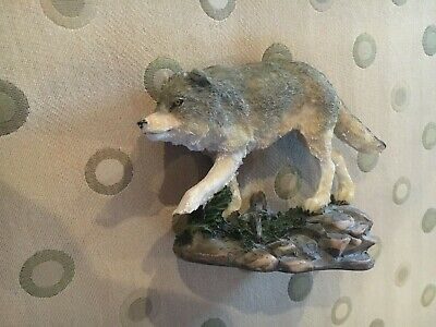 Collectible Yellowstone National Park Wolf Figurine, New