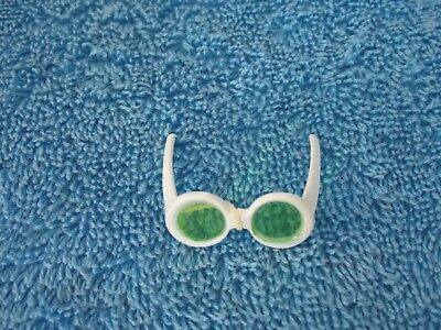 SUNGLASSES ONLY  BARBIE DOLL MODEL MUSE TOP MODEL  BLACK FRAME TENTED  ACCESSORY