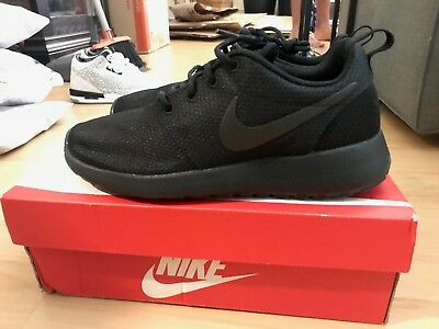 NIKE WOMENS ROSHE Run One Flyknit Shoes Size 7 $34.99