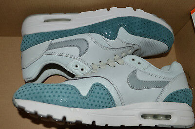 NEW NIKE WOMENS Air Max 1 Ultra Essential Running Shoes 704993 006 sz 7