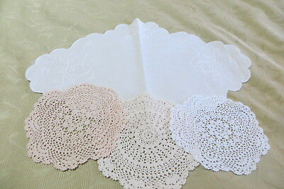 VINTAGE Group of DOILIES ~ COUNTRY CHIC ~