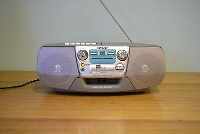 Retro Sony radio tape deck Cd player boombox CFD-V7