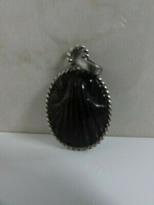Vtg Antique Egyptian Revival Art Deco Carved Black Onyx Glass Scallop Pendant