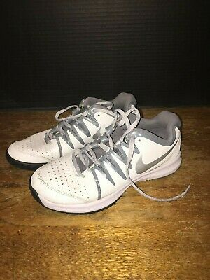 sports shoes cf6e1 9230c NIKE Vapor Court Womens Tennis Shoes Sz 9 White  Metallic Gray 631713-100