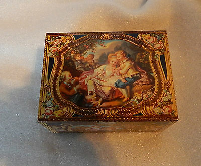 Vintage Kemps biscuits Antique Casket tin modelled on antique snuff box in V&A.2