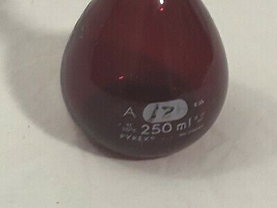 VINTAGE PYREX BEAKER - 250mL Low Actinic Stained Glass Standard Red Flask 55640