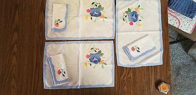 Vintage 3 Table placemats with napkins  Applique Embroidery