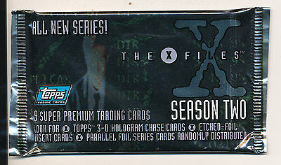 Topps X-FILES Season two 2 packs trading cards New Sealed H8