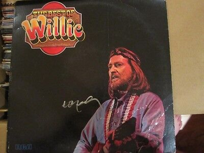 Willie Nelson signed Best of Album Vinyl in person w/proof