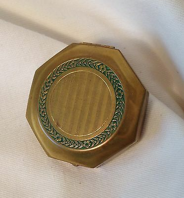 Djer-Kiss gold tone DUAL compact w- fold out mirror Pat. 9.14.1926 green laurels