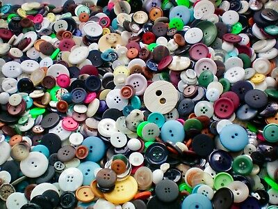 1KG Mixed Buttons Wholesale Assorted White Grey Black Red Blue Job Lot Buttons S