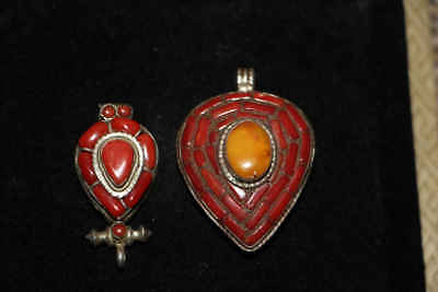 2Nice Chinese Qing Dy old coral inlay silver Tibetan decoration pendants