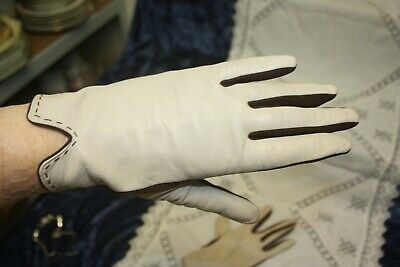 Lovely pair Of Ladies Size 7 1/2 Vintage Cream Leather Gloves