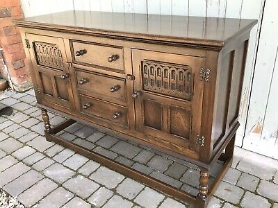 Stunning Quality Bevan Funnell Reprodux Carved Oak Sideboard Buffet