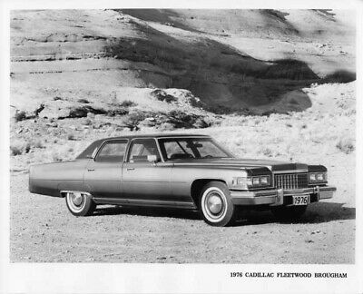 1976 CADILLAC FLEETWOOD Brougham Press Photo and Release 0026