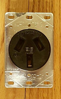 New Range Receptacle 3890 Pass & Seymour 50A 125/250V Flush Mount 3P 3W