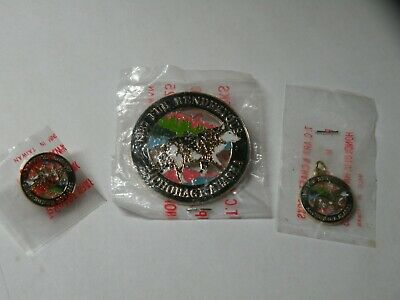 1987 Anchorage Alaska Fur Rendezvous Wolf Rondy Pin, Charm and Tie Tac Set