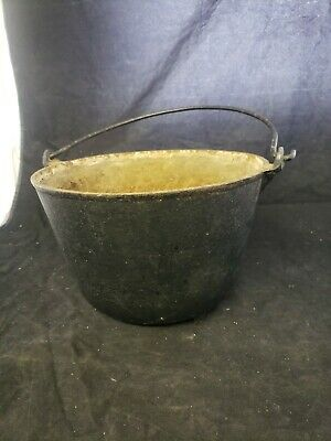 "Antique Cast Iron Bean Pot Cowboy Kettle Cauldron 3 Foot bail Handle 10"" diam A5"