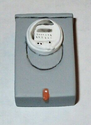 Dollhouse Miniature - Outdoor Electric Meter / Fuse Box - Resin