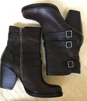 d24b694e980a UGG FINNEGAN BROWN Leather Zip Up Ankle Boot 1919 Women s Size 6.5 ...