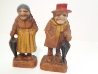 Vintage Syroco Composit Wood 1940's Man And Woman With Umbrellas Figurines