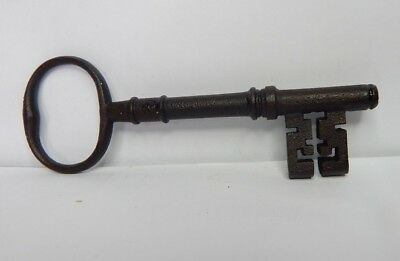 19c Victorian 5 inch Bridge Ward Lock key wire Bow  original v2