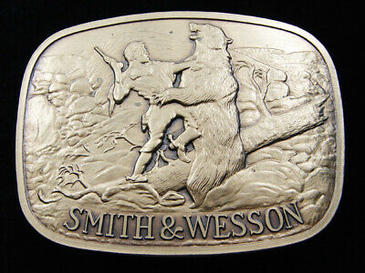 Rd05171 *Nos* Vintage 1978 **Smith & Wesson** Gun & Firearm Company Belt Buckle