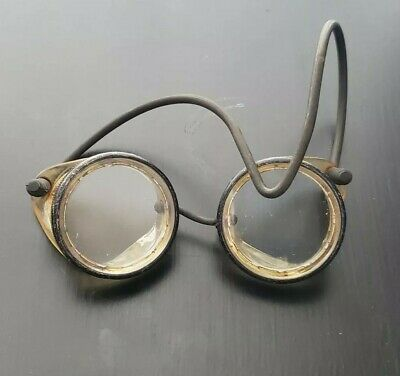 VTG Protective Eye Glasses Goggles Round Rubber Strap Glass and Medal