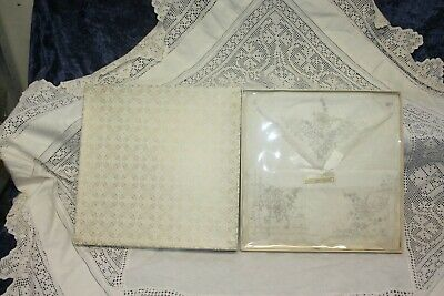 Lovely Boxed Set Of 3 Vintage Pure Cotton Ladies handkerchiefs Hand Embroidered