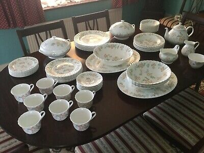 wedgewood cottage rose dinner set and tea set, 70 Pieces.