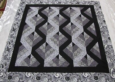 """PATCHWORK Zig Zag Quilt Top PIECED~""""Black/Gray 1"""" Medallion,Wall,Lap  55""""Sq USA"""
