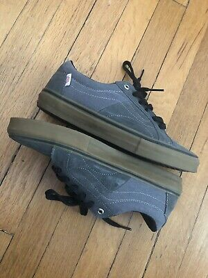 7e2575a3c37ce1 Vans AV Native american Low Washed - Grey And gum Size 9.5 Great Condition