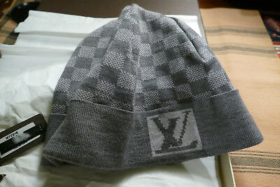 d352bdf2180b5 LOUIS VUITTON GREY Beanie Hat