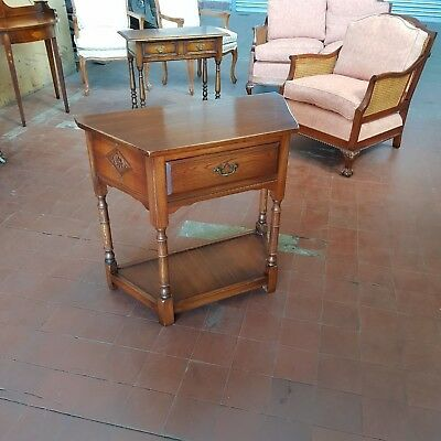 Bevan Funnell/reprodux Solid Oak Cantered Hall/console/telephone Table