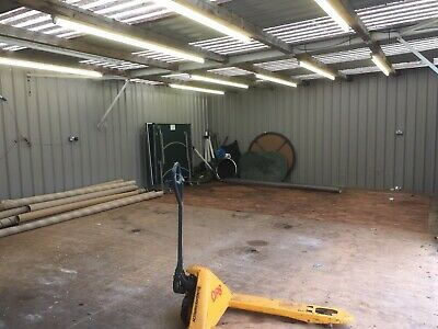 LARGE METAL INDUSTRIAL STORAGE UNIT WORKSHOP APPROX 40 X 20 X 9 Ft DRY SALE
