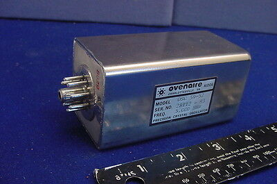 OVENAIRE PRECISION CRYSTAL OSCILLATOR ( FREQUENCY STANDARD ) - 5.000 MHz