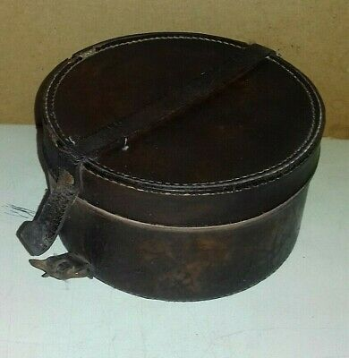 Antique/Vintage Brown Leather Round Collar Box    (Nd)