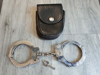 Hiatts  Handcuffs  MET POLICE With Leather Case & Key VGC