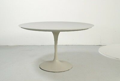 Knoll International Tulip coffee table, design Eero Saarinen
