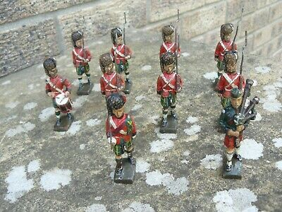 10 x marching Scottish Regiment soldiers made by Lineol - similar to Elastolin