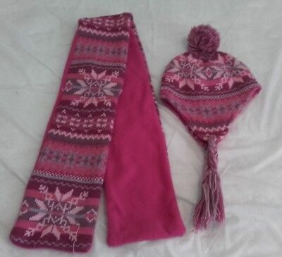 Kids Pink Hat And Scarf Set (Pre Owned)