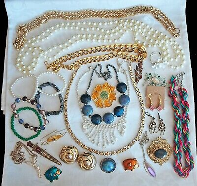 Job Lot of 26 x Pieces of Assorted Costume Jewellery