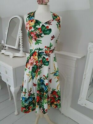 Beautiful Vintage Style Flowered Retro Dress Large Size 14