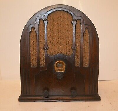 Very Rare Circa 1933 Edison Radio Stores Cathedral Radio Receiver