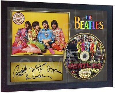 Sgt Peppers Lonely Hearts Club BandThe Beatles  SIGNED FRAMED PHOTO AND CD Disc