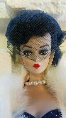 """1991 Barbie Doll Limited Edition Gay Parisienne Porcelain Collection  """"1959"""""""