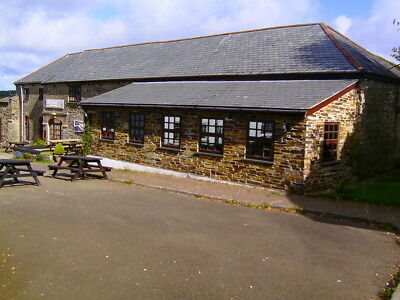 Houses  for  sale  Cornwall coast   -Large Detached Freehold  Pub+ restaurant