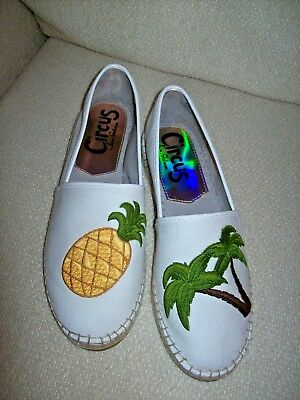 SHOES, SIZE 8 1/2 M, Left is Palm Tree Design, Right is Pineapple Design,  NWOT