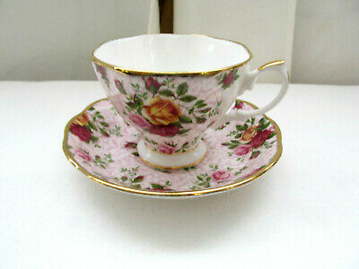 Royal Albert Cup & Saucer Old Cuontry Roses Soft Pink Lace