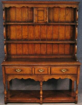 Titchmarsh And Goodwin Period Style Solid Oak Dresser
